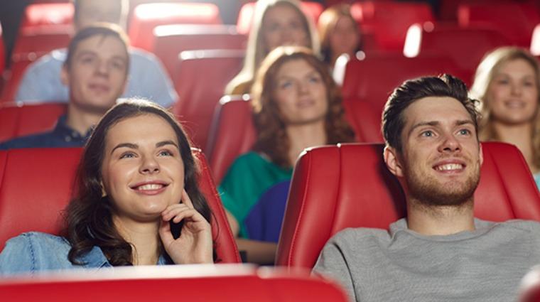 暑假上戲院狂追電影 震撼音效竟惹耳鳴